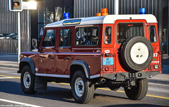 Land Rover - SIS Neuchâtel (Worldwide_emergencies) Tags: land rover switerland range car 4x4 offroad fire brigade blue light red