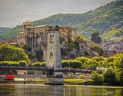 P1380864 (Denis-07) Tags: lavoultesurrhone pont chateau 07 castle france ardeche rhonesalpesauvergne