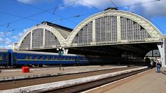 Lviv train station (Krzysztof D.) Tags: lwów львів ukraina україна ukraine pociąg train zug kolej bahn railway dworzec station stacja bahnhof