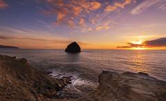 Sunset Colors at the Ocean. (Sveta Imnadze) Tags: nature seastack ocean pacificocean oregoncoast capekiwanda pacificcity