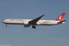 TC-LKA 2909ii copy (Baz Aviation Photo's) Tags: tclka boeing 77736ner turkish airlines thy tk heathrow lhr egll 27l tk1979