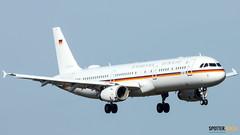 98+10 (SPOTTER.KOELN) Tags: nikon p1000 coolpix cgn eddk spotter flugzeug planes airplanes planespotting