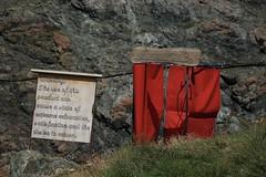 Pour les plus courageux: la douche à l'eau des glaciers (bulbocode909) Tags: valais suisse valdesdix cabanedesdix douches montagnes nature rouge vert panneaux écritures
