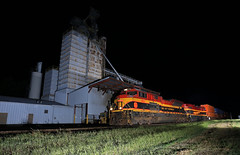 QKCSH (GLC 392) Tags: ac44cw ac4400cw westville ok oklahoma night time flash grain elevator loaded train load railroad railway kcs kansas city southern emd sd70ace track mobile grass 4055 4571 qkcsh
