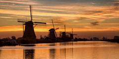 Sunrise in Kinderdijk / Dutch heritage 2018 (zilverbat.) Tags: kinderdijk molen molendatabase molenwieken zilverbat longexposure bild longexposurenetherlands image heritage unesco wallpaper world waterfront reflections reflection postcard unescoheritage hotspot holland nederland thenetherlands timelife travel tripadvisor visit ngc cinematic trip tour tourism tourist mills molens dutchholland dutch longexposurewater canon landscape landmark sunrise inarow