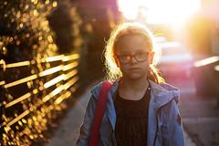 maxine (kceuppens) Tags: sun zon tegenlicht avond evening sunset zonsondergang fun joy portret portrait maxine girl meisje kid glasses fujixt20 fuji 50mm f2