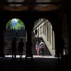 2018 Aout - New York.0574 (hubert_lan562) Tags: newyork manhattan ombre lumiere light contraste silhouette homme femme men street women noir central park usa united states