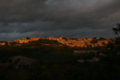 L'alba di Urbino (svlsrg) Tags: svlsrg alba urbino borgo mura