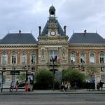 Façade de la Mairie du XIXème arrondissement thumbnail