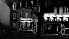 Elis'Anne - Ty Bar (patrick_milan) Tags: black white city glow plouguin