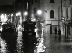 l'art de rentrer chez soi (asketoner) Tags: blur night aqua alta flood boats venezia italy darkness silhouettes water canal buildings lights city