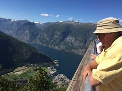 37121016_2277517972273525_1301496513708425216_n (ockhams_razor7) Tags: fjord aurland norway