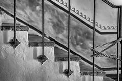 rope (Robert Borden) Tags: rope stairs bw blackandwhite blancoynegro stilllife iron railing stucco waves oldmissionsantabarbara mission oldmission santabarabara sb centralcal centralcalifornia cali california fuji fujifilmxt2 fujiphoto