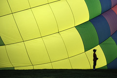 Boy silhouetted by a Balloon (TAC.Photography) Tags: 2018yip hotairballoon balloon festival riverdays silhouette boy youth midland midlandhotairballoon nikon nikoncamera tomclarknet tacphotography d7100
