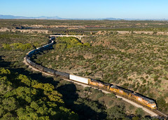 UP 7561 East at Cienega Creek 10/29/2018 (Ray C. Lewis) Tags: union unionpacific railroad railway southern desert cactus train railways freight transportation cienega preserve tucson