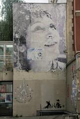 Quartier de Belleville - Visage visible au n°50 de la Rue Piat (T.Oscar) Tags: tag street art urban graffiti peinture graff paris france french paint hip hop belleville 19ème xixème 19 xix rue piat visage femme woman