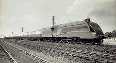 """London & North Eastern Railway - LNER Class A4 4-6-2 steam locomotive Nr. 4492 """"Dominion of New Zealand"""" (Doncaster Works 1857 / 1937) (HISTORICAL RAILWAY IMAGES) Tags: lner a4 steam locomotive train doncaster br 60013 4492 462 gresley"""