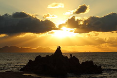 Beautiful moments (Teruhide Tomori) Tags: nature landscape seascape japan japon beach sunset sea ocean coast shore seashore fukui wakasa mihama sun clouds sky 日本 若狭湾 美浜 水晶浜 suishohamabeach 北陸 福井県 風景 日没 夕日 砂浜 海岸