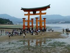 Torii at the Itsukushima Shrine in Miyajima (chibeba) Tags: miyajima miyajimaisland japan asia daytrip itsukushima vacation holiday september 2018 autumn hatsukaichi hiroshimaprefecture
