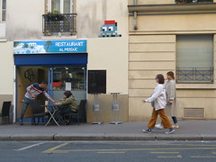 Space Invader PA_1370 (tofz4u) Tags: 75005 paris streetart artderue invader spaceinvader spaceinvaders mosaïque mosaic tile pa1370 blue rouge hat chéchia شاشية fez street rue people restaurant almosaic