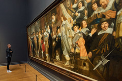 """lonely admirer of """"Militia Company of District VIII under the Command of Captain Roelof Bicker."""" at Rijksmuseum Amsterdam (Jan Netherlands) Tags: rijksmuseum painting vanderhelst helst sony sonyrx sonyrx100 sonyrx100iii sonyrx100m3"""