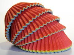 Perfect match (ryorii) Tags: buncases stampinidaforno moules moldes papierbackformchen paper carta coloured colorati encouleur decolores perfectmatch macromondays monday canon dolci muffins