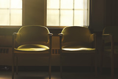 golden opportunity (rockinmonique) Tags: chairs midcenturymod light shadow yellow golden masoniclodge moniquewphotography canon canont6s tamron tamron45mm copyright2018moniquewphotography