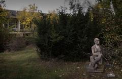 Einsam im Park (michael_hamburg69) Tags: lostplace offthemap abandonedplace urbanexploration urbex sculpture skulptur stein stone female frau liegend liegende weiblich ddr künstler artist formergdr sculptor