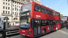 P1130664 VMH2488 LK18 AHX at Baker Street Station Marylebone Road Marylebone London (LJ61 GXN (was LK60 HPJ)) Tags: volvob5lhybrid mcvevoseti mcv evoseti metroline 105m 10490mm vmh2488 lk18ahx nb873