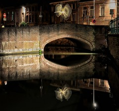 Playfull Lights (Viktor Van Herzele) Tags: lights lightpainting bridge water road assignment college artevelde ghent belgium eastflanders flanders oldbridge pastfuture