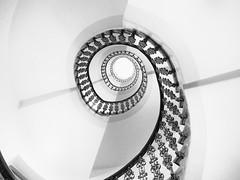Na Zábradlí (jantoniojess) Tags: chequia repúblicacheca praga praha stairs staircase spiralstaircase espiral spiral perspectiva perspective architecture arquitectura escaleras escalones escaleradecaracol escalerahelicoidal eye ojo roundandround vueltasymásvueltas túnel monocromático monochrome blancoynegro blackandwhite panasoniclumixg80