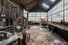 Usine S. -0006 (Under The Dust) Tags: urbex industry wool laine decay abandoned factory usine