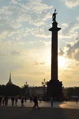 La colonne d'Alexandre (RarOiseau) Tags: russie saintpétersbourg colonne place couchant monument
