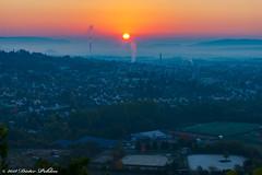 Sonnenaufgang über Wittlich (pohlenthe49er) Tags: deutschland rheinlandpfalz wittlich sonnenaufgang nebel morgen