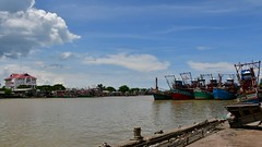 Port time-lapse... (PP_1026(Thx for 15K views!)) Tags: nikon d7500 timelapse pattani port river boat ship sky thailand