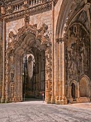 Capillas inacabadas, Monasterio de Batalha (Leiria, Portugal) (Miguelanxo57) Tags: arquitectura monasterio manuelino portal capillasinacabadas capelasimperfeitas batalha leiria portugal patrimoniomundial unesco