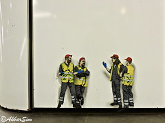 Rotterdam Street Art JAUNE (Akbar Sim) Tags: rotterdam holland nederland netherlands metro station eendrachtsplein jaune streetart stencil stencilart akbarsim akbarsimonse