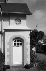 Bwthyn Gardd-Faestref / A Garden-Suburb Cottage, 1904 - Cleveleys (Rhisiart Hincks) Tags: cleveleys sirgaerhirfryn lancashire lloegr england sasana brosaoz ingalaterra angleterre inghilterra anglaterra 英国 angletèrra sasainn انجلتــرا anglie ngilandi ue eu ewrop europe eòrpa europa blackpool fylde cyrchfangwyliau holidayresort powsows gardenvillage gardensuburb pensaernïaeth arkitektura architecture adeiladouriezh tisavouriezh ailtireachd ailtireacht pennserneth edwardian edwardaidd duagwyn gwennhadu dubhagusgeal blackandwhite bw zuribeltz blancetnoir blackwhite 1906