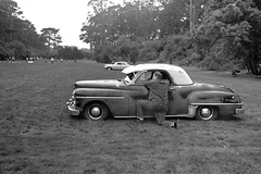 San Francisco, Speedway Meadows (Dave Glass . foto) Tags: sanfrancisco speedwaymeadows goldengatepark sfoldcarpicnic nikonfm fujifilmneopanacros100 filmphotography plymouth dodge coupe