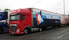 Batim WGM 41252 (Poland) at Beaconsfield services (Joshhowells27) Tags: lorry truck daf xf dafxf batim poland polish foreign foreigner wgm41252 vanswieten