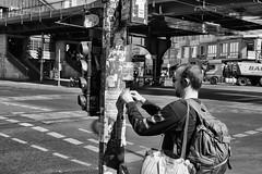 Street in Berlin (Deinert-Photography) Tags: berlin streetfotografie deutschland street schwarzweis schwarzweiss blackwhite citylife streetart streetphoto streetphotography ubanphotography urban