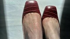 DSC_0485 (grandmacaon) Tags: highheels hautstalons toescleavage talonsaiguille lowcut lowcutshoes sexyheels stilettos