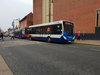 Stagecoach in sunderland 36973 NJ08CTY loading up