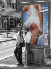 1005223 - Esperant l'Autobús (Joanot Photography) Tags: 2006 castellã³delaplana planaalta paãsvalenciã robat joanot joanotbellver 223 persones laplanaalta castellódelaplana paísvalencià