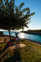 Sunset massage (Nicola Pezzoli) Tags: menorca baleares baleari island nature spain sea minorca isola ciutadella beach hola ola sunset sun shine massage bar tree