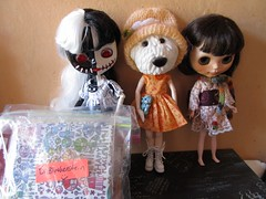 2018-10-17 (11h13) - Toxy, Inner Dog and Mónica (saltwood67) Tags: blythe doll dog