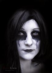 _UG89025BEAGD (Ira Lee) Tags: portrait elfia arcen netherland holland people 2018 faeries märchen tale goth cosplay mask manga art dark bianco noir negro monochrome gloomy wgt gotik style maske gothic stylist desirn