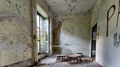 Chambre (ostplp) Tags: exploration urbex friche abandonné ancien vintage lost perdu chateau patrimoine désert disparu