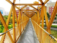 Pasarela de la Casa del Agua - València (Kiko Colomer) Tags: francisco josé colomer pache kiko valencia valence puente pasarela campanar hierro metal simetria peatonal cauce jardin rio turia