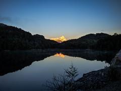 Amanecer en Ruta 7 Lagos (Helga Wolf) Tags: amanecer lago montaña naturaleza reflejo